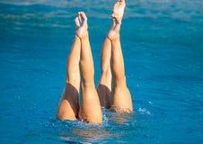 Synchronschwimmenbeine Lizenzfreie Stockfotos