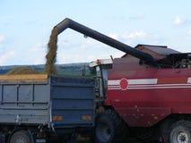 Syndykat ciężarówka i żniwiarz zdjęcie stock