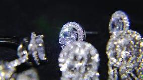 Syntetiska diamanter på smyckena 003