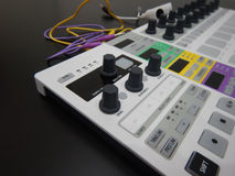 Synthétiseur avec des boutons Image stock