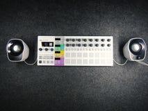Synthétiseur avec des haut-parleurs Images stock