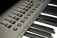 Synthesizer keyboard and controls Royalty Free Stock Photos