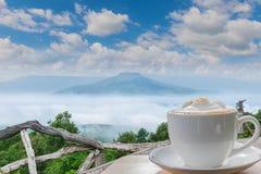 synvinkel på berget i den Phu PA-poren Fuji på Loei, Lo royaltyfri fotografi