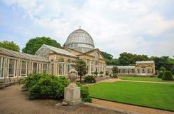 Syon konserwatorium z kształtującymi teren ogródami Obrazy Royalty Free