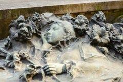Sypialna kobiety rzeźba przy Monumentalnym cmentarzem, Mediolan Zdjęcia Stock