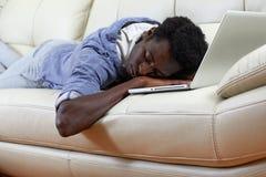 Sypialnego Afro Amerykański mężczyzna Fotografia Royalty Free