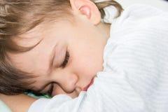 Sypialnego chłopiec syna sen zdrowy odpoczynek ma spoczynkowego dosypianie Obraz Royalty Free