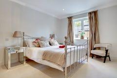 sypialni nowożytny modny wewnętrzny Obraz Stock