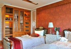 sypialni szafa żartuje potomstwa Zdjęcia Royalty Free