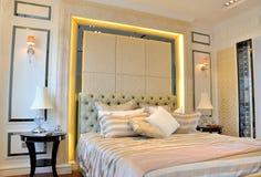 sypialni wnętrza przestrzeń Zdjęcia Royalty Free