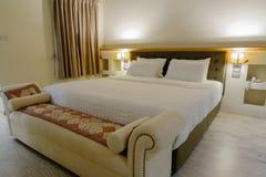 Sypialnia był czysta Stosowny dla spać i relaksować przy nig Fotografia Royalty Free