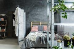 Sypialnia w loft zdjęcia royalty free