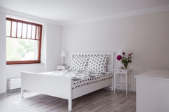 Sypialnia w romantycznym stylu Obrazy Royalty Free