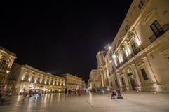 Syracuse: Duomo de la plaza imagen de archivo