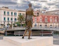 Syracuse Sicilien - Archimedes Statue arkivbilder