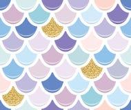 Syrenka ogonu bezszwowy wzór z złocistymi błyskotliwość elementami Kolorowy rybi skóry tło Modne pastelowe menchie i purpury ilustracji