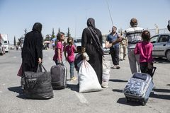 Syrian refugees entering Turkey Stock Image