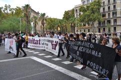 Syriansk flyktingkris - Pro--flykting demonstration i Barcelona, Spanien, September 12, 2015 Fotografering för Bildbyråer