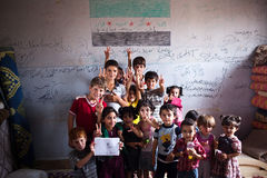 Syrianska barn på skolan i Atmeh, Syrien. Royaltyfria Foton