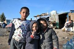 Syrianska och zigenska flyktingar i anatolian sida av istanbul, Turkiet royaltyfri fotografi