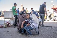 Syrische vluchtelingen die Turkije ingaan Stock Afbeelding