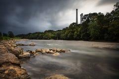Syrlig flod Royaltyfri Fotografi