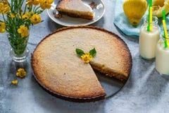 Syrliga citron och almon Royaltyfri Fotografi