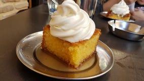 Syrop de bonbon à gâteau de crème glacée  photographie stock libre de droits