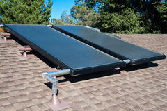 Système de chauffage solaire de l'eau image stock