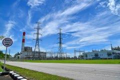 Système de pylône de l'électricité de tension de taille Photo libre de droits