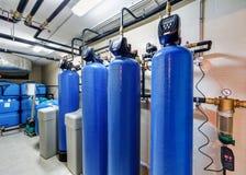 Système de traitement de l'eau moderne pour la chaudière industrielle Photographie stock
