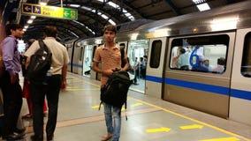 Système de transport de souterrain de rail de métro de New Delhi Images stock
