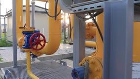 Système de valve et de tuyauterie de l'usine pour l'extraction et le traitement de l'installation de production et de transformat banque de vidéos