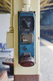 Système ferroviaire d'électrification pour la locomotive électrique diesel dans la station de train Images stock