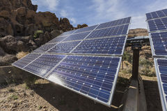 Système solaire de désert à la conserve nationale de Mojave images libres de droits