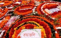 Système traditionnel d'hommages floraux au Bangladesh images stock
