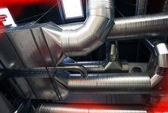 Systeem industriële het ventileren pijpen royalty-vrije stock fotografie