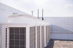 System centrala uwarunkowywa? set na dachu budynek obraz stock