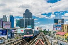 System för kollektivtrafik för BTS-himmeldrev i Bangkok Royaltyfri Foto