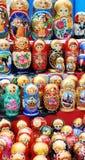 Systemfenster mit Set russischen Puppen Lizenzfreies Stockfoto