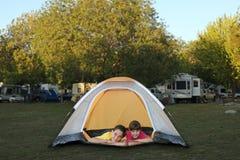 Systerinsida le för Tent royaltyfria bilder