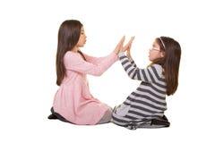 2 systrar eller vänner Arkivfoton