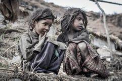 Systrar i gammal kläder i Uttarkhand Royaltyfri Fotografi