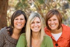 systrar tre royaltyfri bild