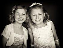 systrar w för stående för b-klänning formella Arkivbilder