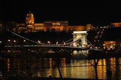 Széchenyi铁锁式桥梁和王宫 库存图片