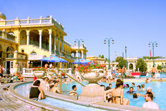 Széchenyi det termiska badet - Budapest - Ungern arkivbilder