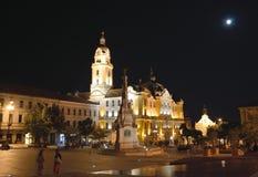 Széchenyivierkant met het stadhuis van Pécs Stock Afbeeldingen