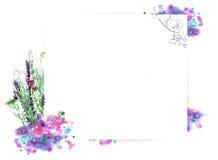 Szablon dla zaproszenie projekta z akwareli pluśnięciem i konturem świeżego kwiatu i atramentu Fotografia Stock