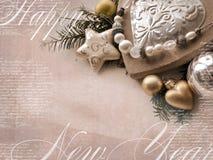 Szablon kartka bożonarodzeniowa Wakacyjny tło z gwiazdą, serce, jedlina rozgałęzia się, Bożenarodzeniowe zabawki, pusta przestrze Obrazy Stock
